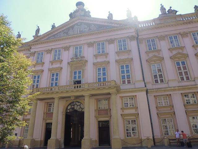 Palacio del Primado (Bratislava) (@mibaulviajero)