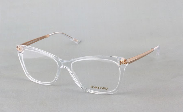 5. Tom Ford - modèle Slight Rounded Square