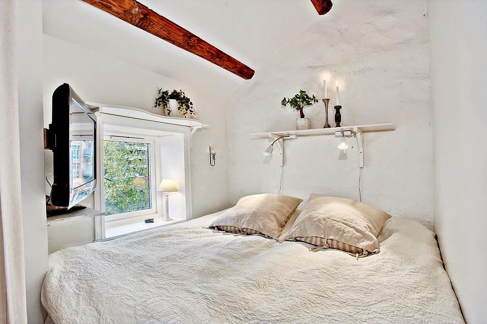 Boiserie c loft decisamente trendy decisamente bianco - Arredare una camera piccolissima ...