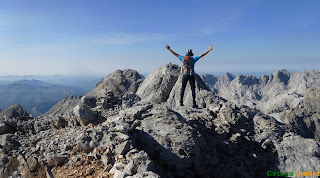 En la cima de Tiro Navarro Norte en los Picos de Europa.