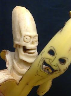 Sabrosas y nutritivas esculturas hechas con plátanos o bananos.