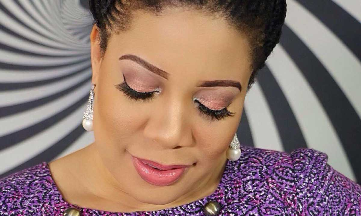Nollywood and newly married actress, Monalisa Chinda, is looking all radiant and happy as she now smiles wherever she goes in fact, there is never a dull moment for her.  The actress has found joy once again in love and this time she is ready to guide it jealously and build a large family free from third party interference.  The actress recently stepped out for a photo-shoot session as she was recently unveiled as a brand ambassador for a beauty product and she has been representing her brand well.  All thanks to her natural skin and beauty as it all added glamour to her good looks.