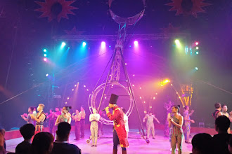 Terpukau di Bawah Tenda Sirkus The Great 50 Show