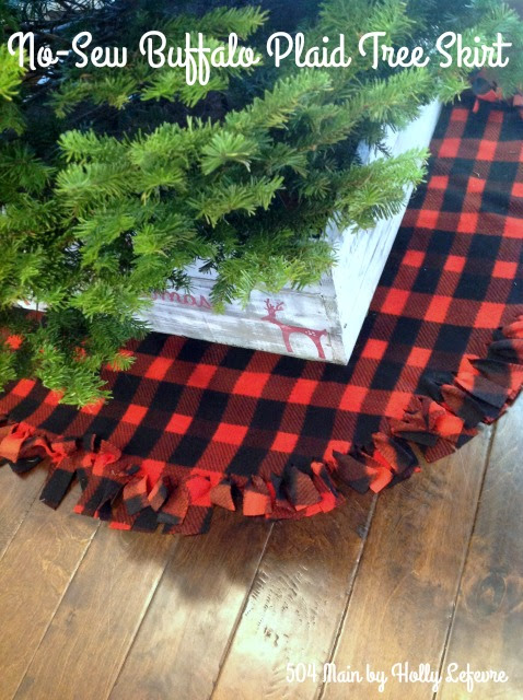 No-Sew Buffalo Plaid Christmas Tree Skirt