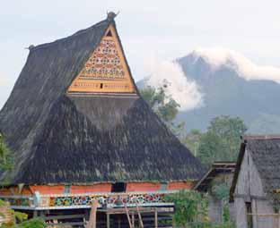 Objek Wisata Di Tanah Karo: Desa Budaya Lingga
