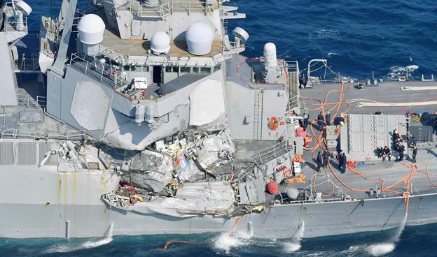 Savaş gemisi kaza yaptı 7 ABD askeri kayıp