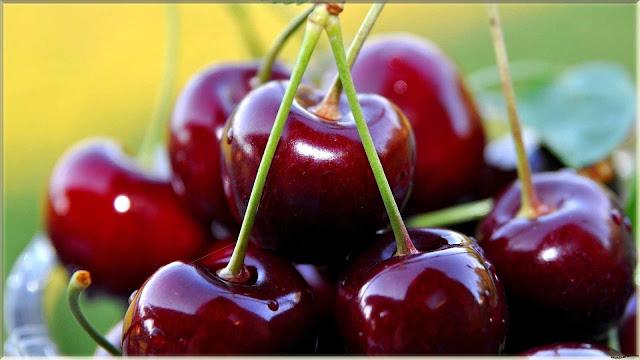 gambar wallpaper buah cherry segar