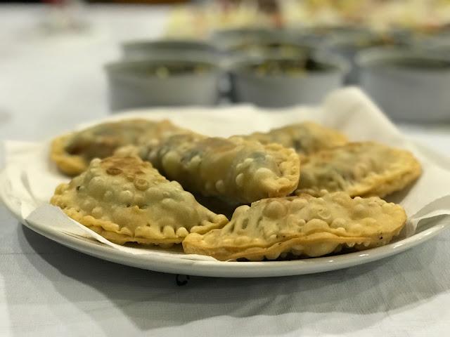 Receta: Empanadillas de pollo con espagueti de mar y verduras