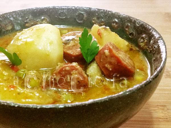 Patatas guisadas con chorizo
