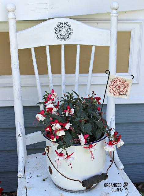 DIY BOHO Stenciled Garden Mini Flag #stencil #gardendecor #gardenjunk