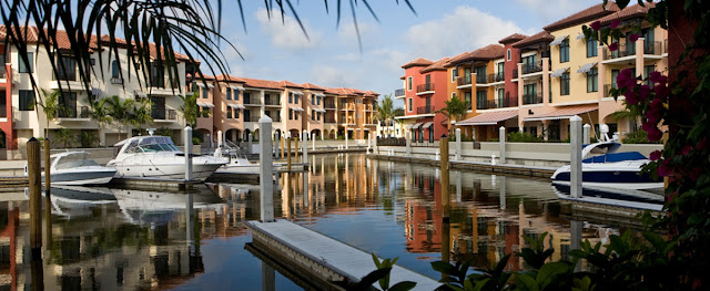 Relax and enjoy the Naples Bay Resort & Marina. This resort boasts spacious rooms and suites, five pools, four restaurants, and a spa. Book your stay today.