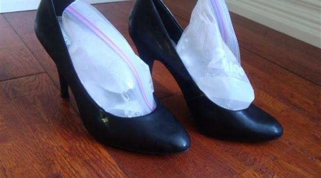 Melonggarkan Sepatu Heels, Sepatu Kets, dan Sepatu Non-Kulit