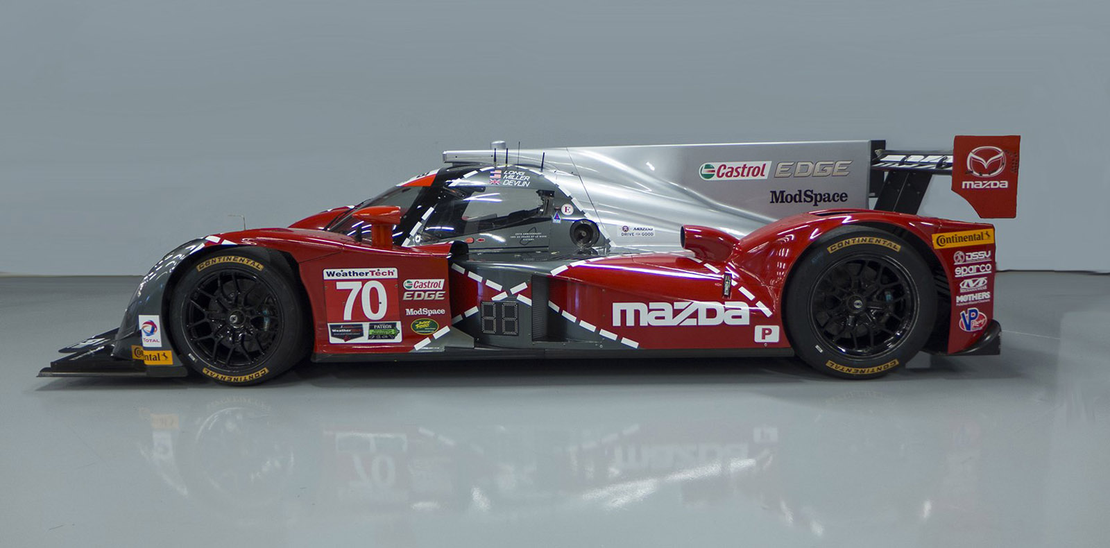 mazda commemorates 1991 le mans win with throwback livery. Black Bedroom Furniture Sets. Home Design Ideas