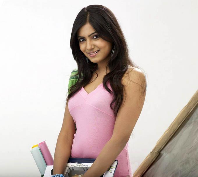 Tamil Cinema Foto: Samantha As College Girl Cool Pics