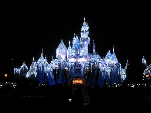 Sleeping Beauty Kalesi - Disneyland / California