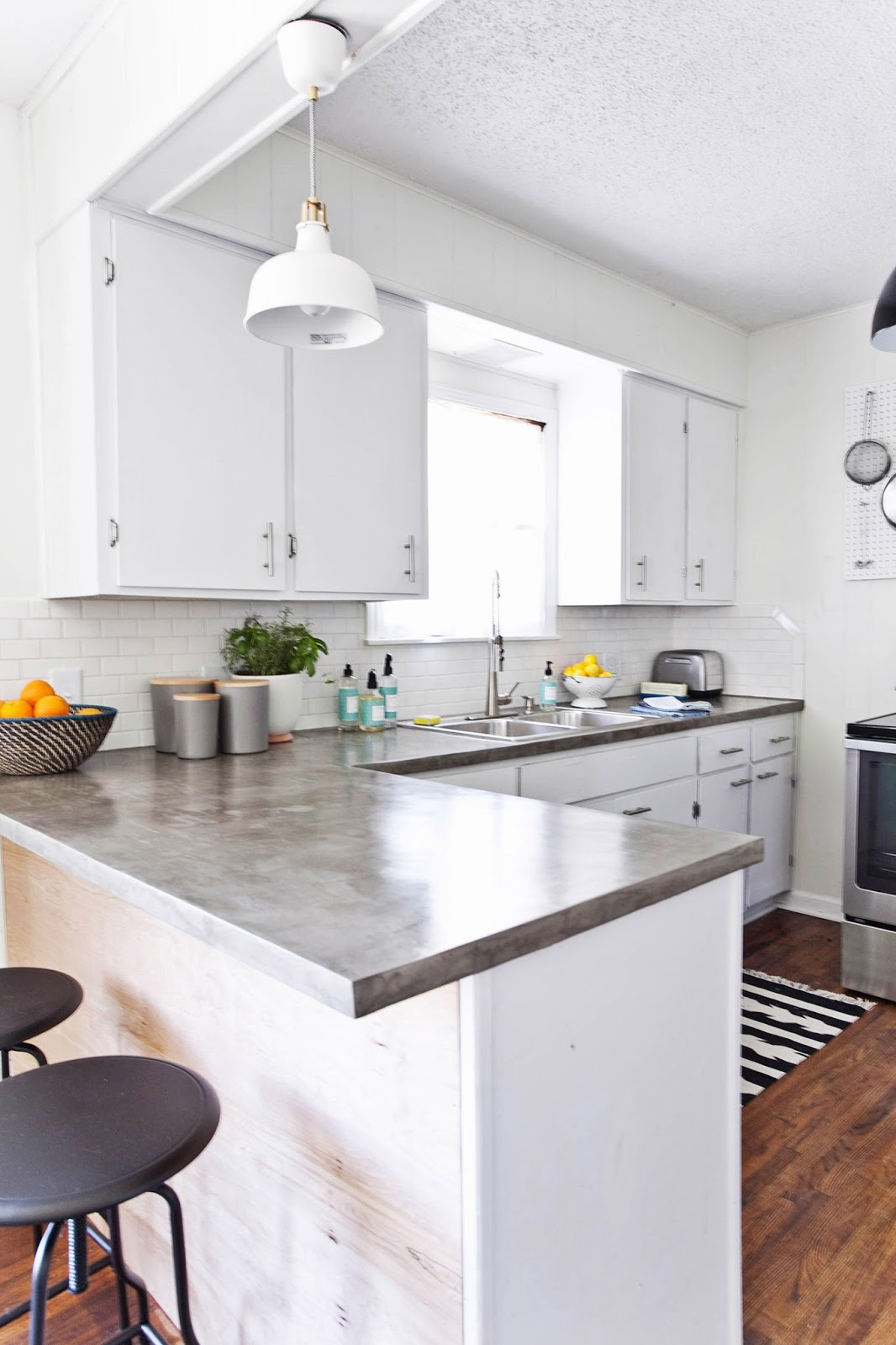 Restyle it wright crushing on concrete counters for Concrete kitchen ideas