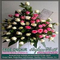 karangan bunga standing berdiri mawar di bekasi