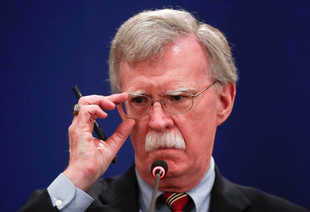El mensaje de Bolton a Padrino López que salpica a Diosdado