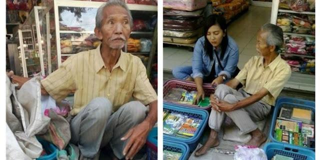Kisah Kakek Ma'shum, Mantan Guru Yang Berjuang Lewat Buku Bekas Ini Sungguh Mengharukan
