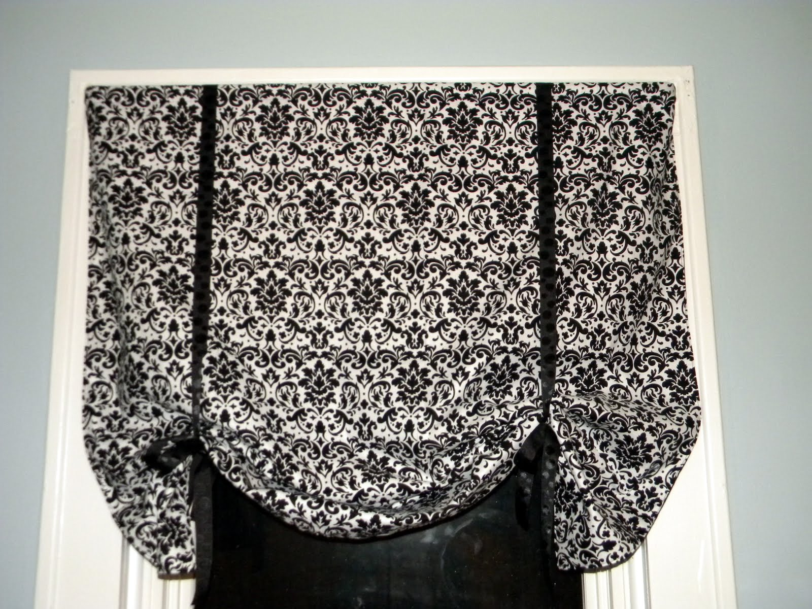 Craft Couture: Tutorial: Tie Up Curtain