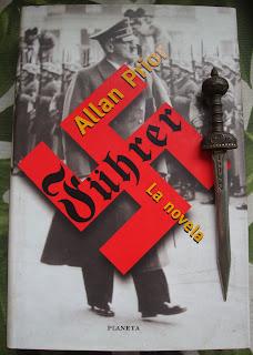 Portada del libro Führer, de Allan Prior