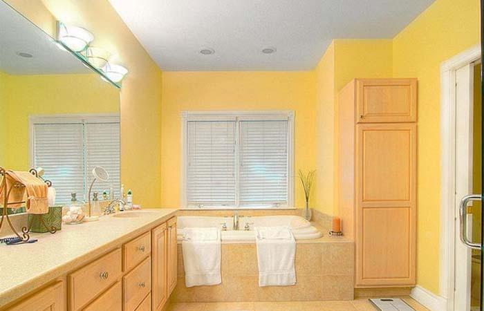 güneş sarısı banyo dekorasyonu