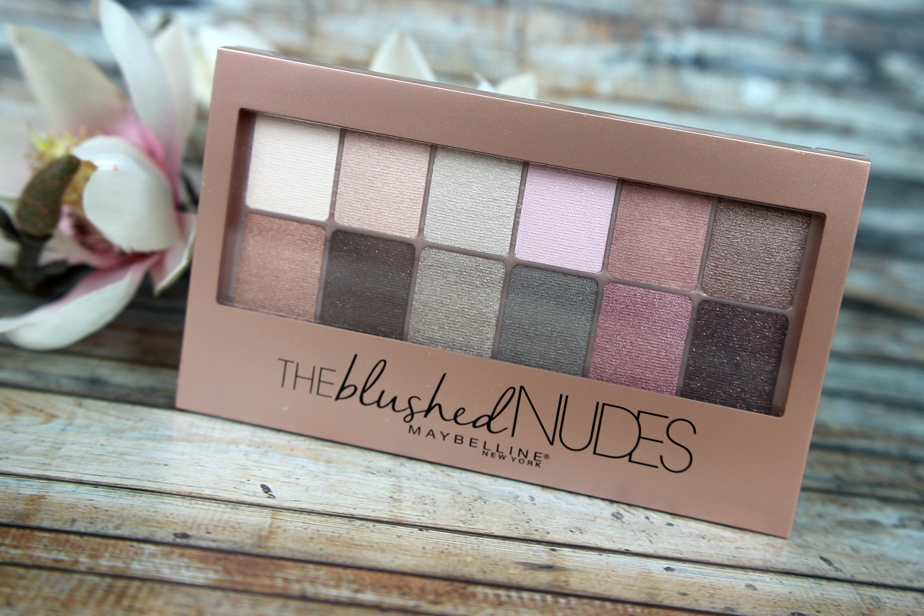 color sensational, color show, flirtyshades, lidschatten, lippenstift, look, mascara, maybelline, nagellack, nude, palette, pushupmascara, review, swatches, the blushed nudes, the falsies, top coat, tragebilder,