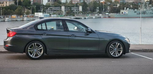 BMW 320i Indonesia