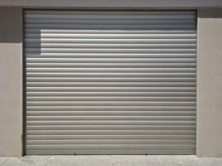 Practicor todo en aluminio for Fabrica de puertas y ventanas en la plata