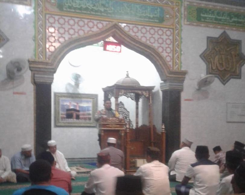 Ceramah di Masjid, Kapolres Bone Ajak dan Himbau Masyarakat Kelurahan Biru Jaga Kamtibmas dan Kebersihan