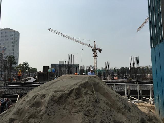 Hiện The K-Park đang được thi công lên tầng 1