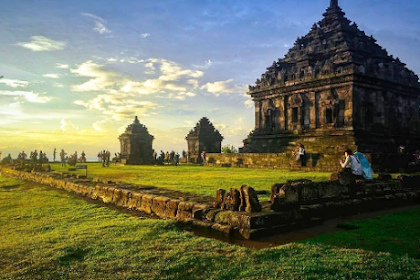 Alamat, Jam Operasional Serta Harga Tiket Masuk Candi Ijo Yogyakarta Terbaru 2019