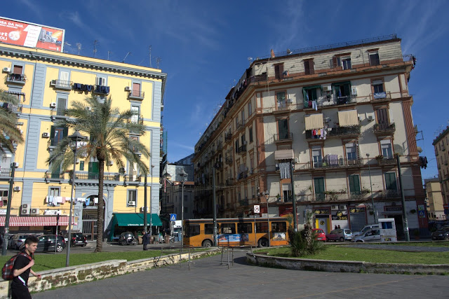 Piazza Nationale Naples centrum