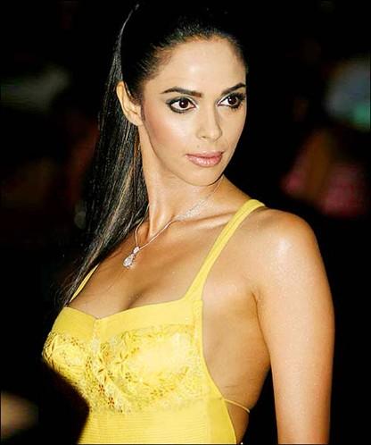 Amisha Patel Cute Wallpapers Malika Sharawat Unseen Na Ked Bold Pictures Bollywood World