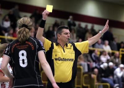 kartu kuning pada peraturan bola tangan
