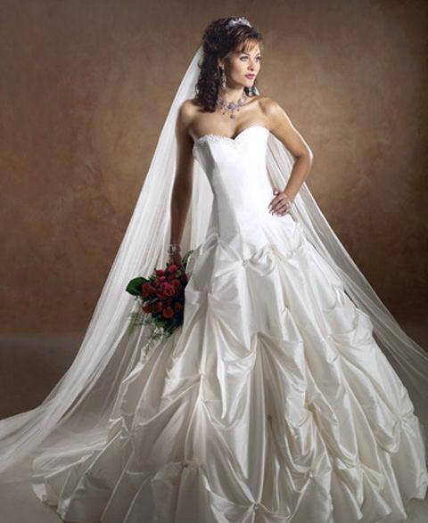 White Wedding Gowns: Big White Wedding Dress Designs