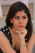 actress tanya sizzling photos-thumbnail-7
