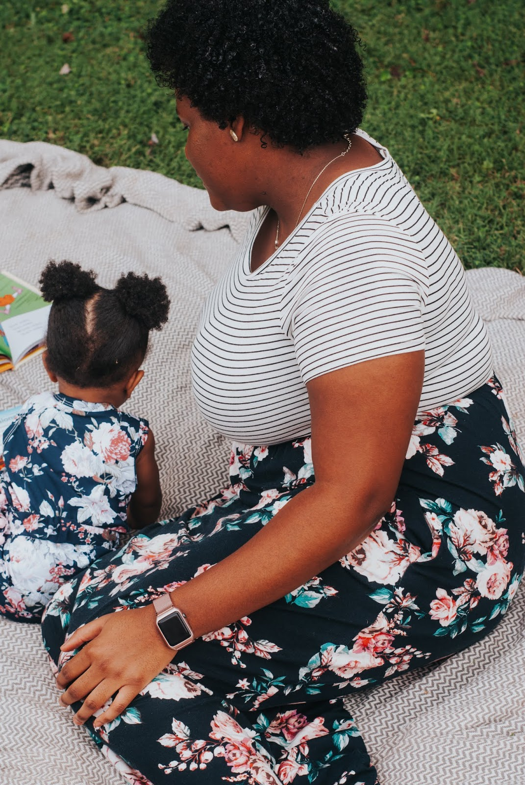 A mommy and me outfit post featuring PinkBlush Maternity.