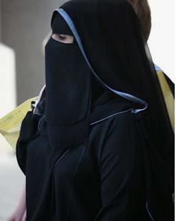 مطلقة سعودية ابحث عن زوج حنون مثقف يقيم فى الرياض