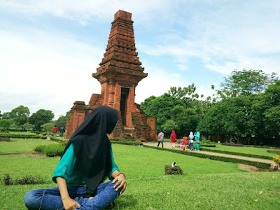 Gapura Bajang Ratu, Candi Beraroma Mistis Berselimut Romantisme Majapahit