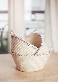 http://www.ellefrost.com/diy/diy-rope-baskets/