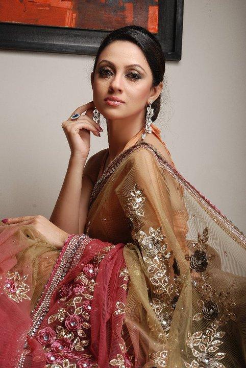MODELSMK: Hot Bangladeshi Ramp Model in Fashion Show Photos
