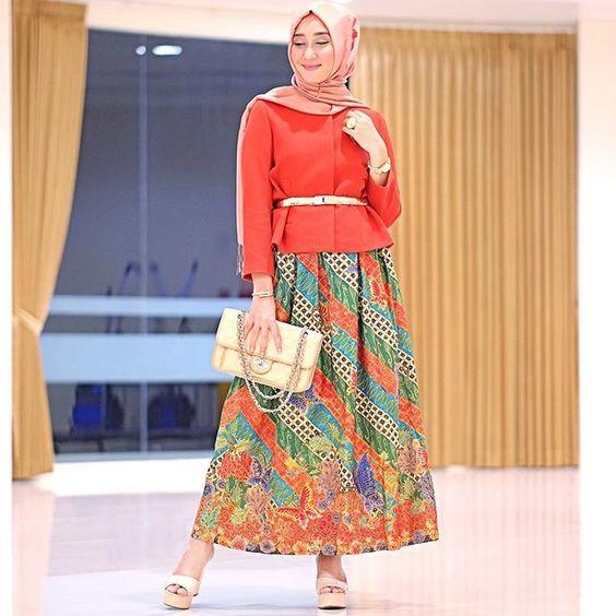 45+ Model Kebaya Wisuda Muslim Modern Terbaru 2018 8822c099f8