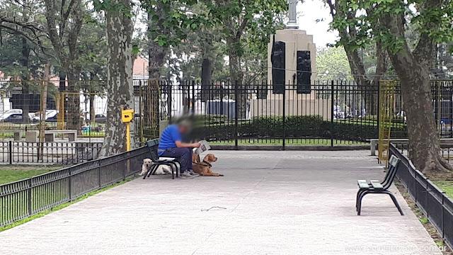Noticias de Villa Devoto, guía comercial villa devoto, perros, mascotas, paseadores, suciedad, espacios publicos