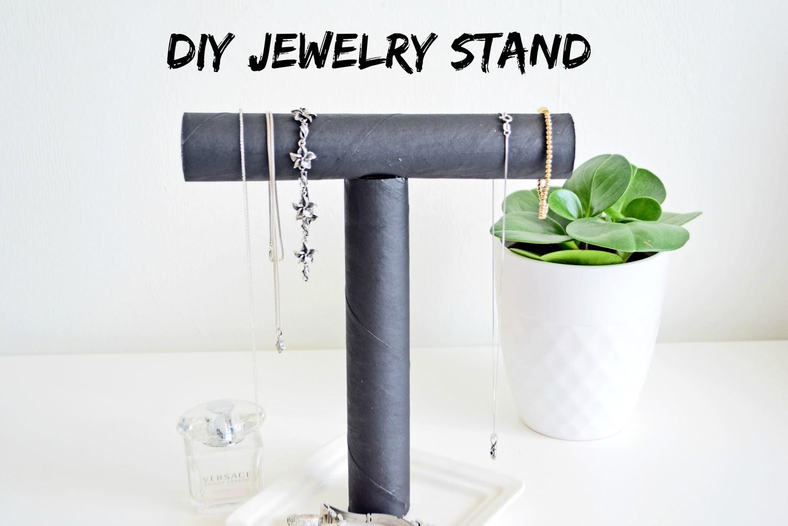 Stojak na biżuterię DIY