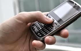 Joven bate el récord Guinness de teclear SMS más rápido