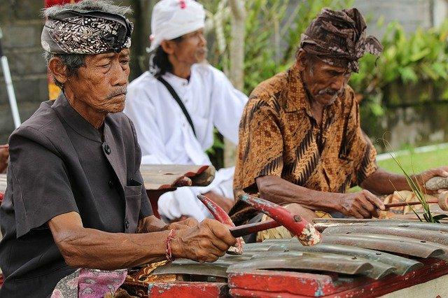 Fakta Indonesia 1340 suku
