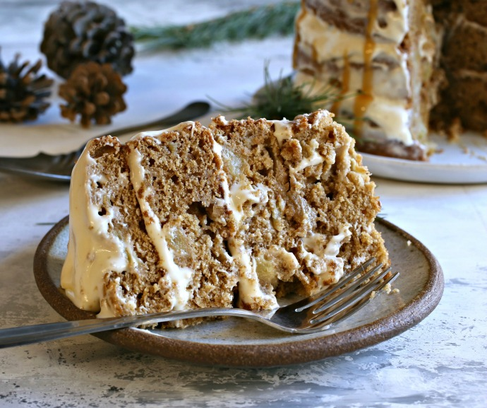 Honey-Apple-Gingerbread-Cake-3