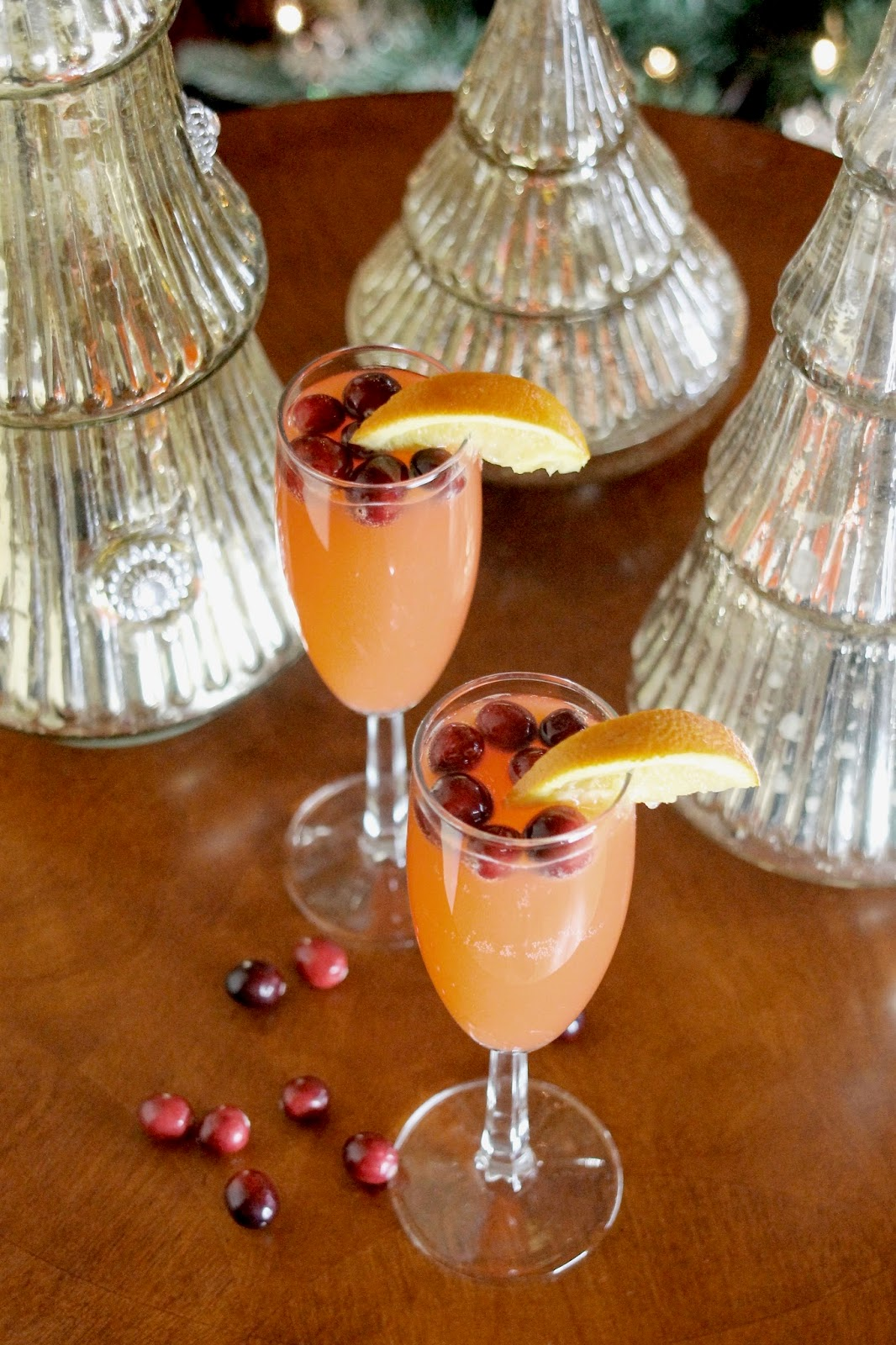Make This: An Easy, Festive Champagne Cocktail