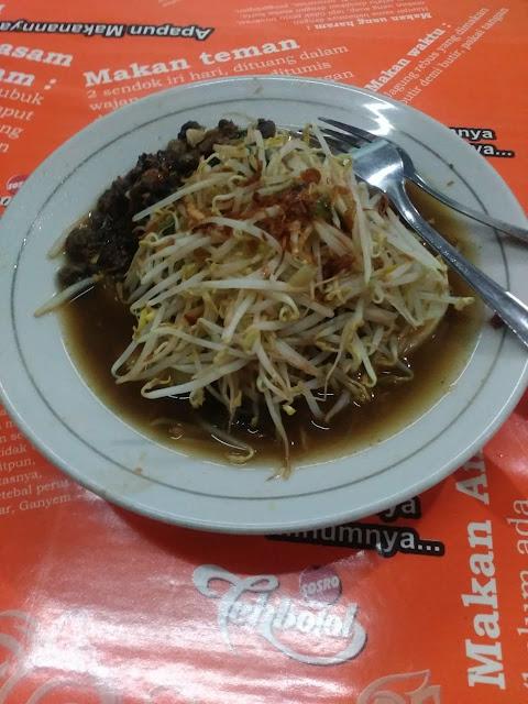 Mencicipi Lontong Balap Kuliner Khas Surabaya